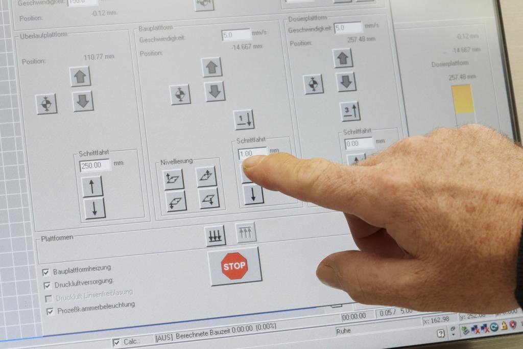 Ein Computerbildschirm präsentiert eine Arbeitsebene für die 3D-Konstruktion